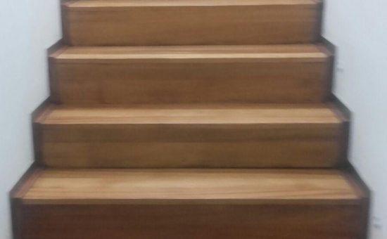 Suelo y escalera Parquet
